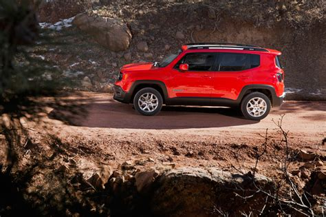 jeep open roof 2015 jeep renegade is an italian crafted open air roof 4x4 suv