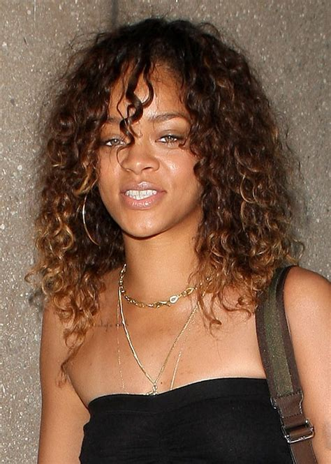 natural hairstyles for long straight hair rihanna long girly natural hairstyle for women under 30s