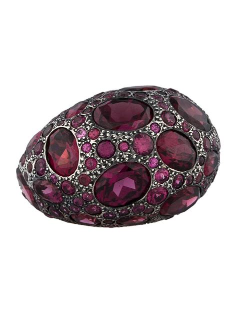 pomellato jewelry pomellato garnet tabou ring rings pom20033 the realreal