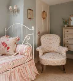 country bedroom decor country cottage bedroom dgmagnets com