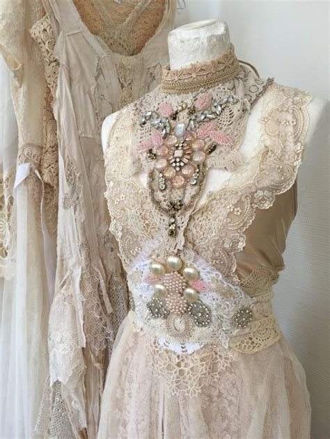 Antique Style Wedding Dresses by Wedding Dress Extraordinary Vintage Inspired Wedding