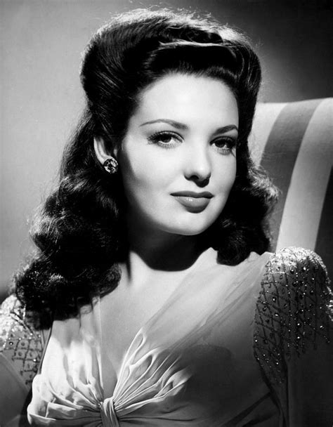 biography movie hollywood learn about linda darnell biography