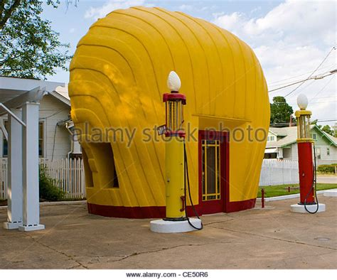 Shell Garages On M6 by Shell Service Station Stock Photos Shell Service Station
