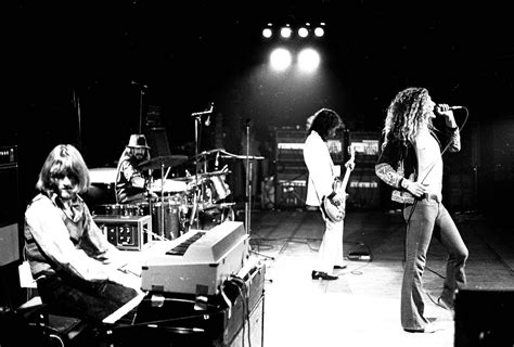 led zeppelin led zeppelin wallpapers images photos pictures backgrounds