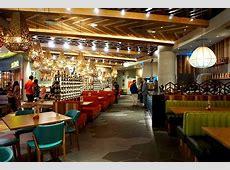 PERi-PERi chicken goodness at Nando's Qatar | Point and ... Nando's Restaurant