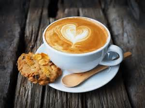 Cappuccino Cups tasse de caf 233 avec un coeur dessin 233 dans la mousse