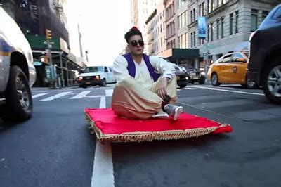 Karpet Aladin heboh terbang dengan karpet di dunia nyata sederhana