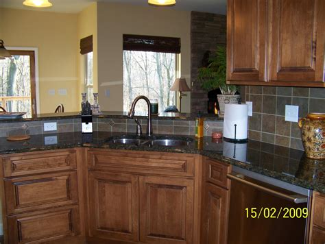 pictures of kitchen cabinets with knobs dark kitchen cabinets hardware quicua com