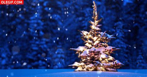 gif nieve cayendo sobre un 193 rbol de navidad gif 4202