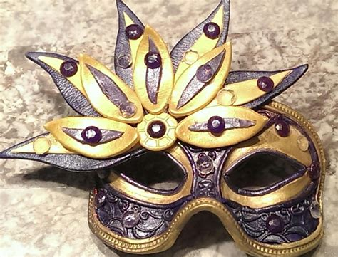 Decorating A Masquerade Mask gumpaste masquerade mask http www cake decorating