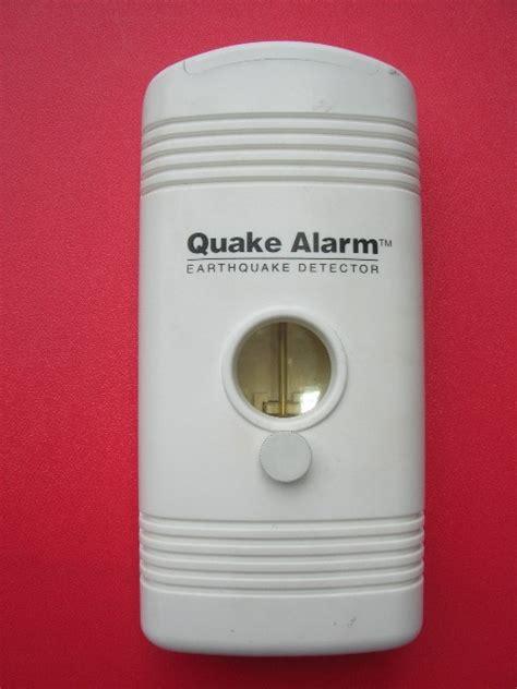 Alarm Gempa alat deteksi gempa bumi