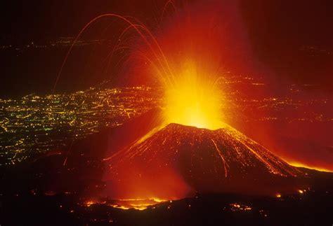 popolare dell etna etna in eruzione quannu scassa a muntagna l informazione