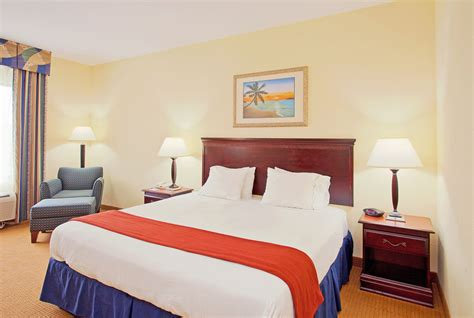 rooms in panama city inn express hotel suites panama city tyndall in panama city hotel rates reviews in