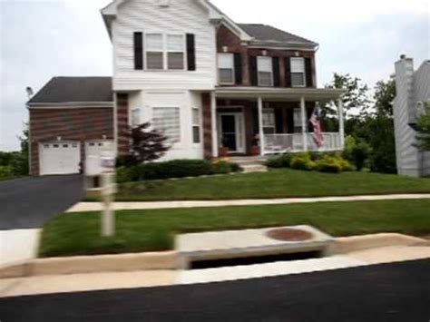What Is The House In America by Typical American Suburban Housing