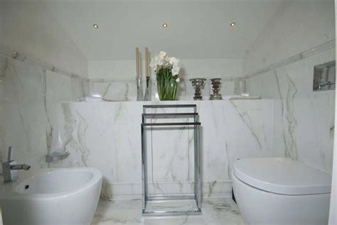 rivestimenti bagno foto foto rivestimento bagno in calacatta di zanco marmi di