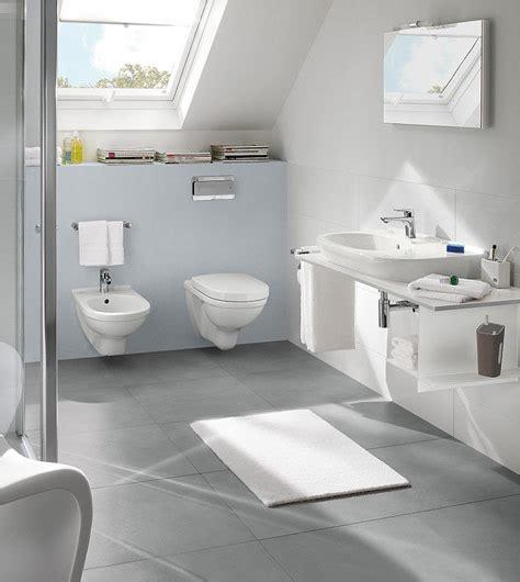 badezimmer vanity tiefe bad mit dachschr 228 ge clever nutzen villeroy boch