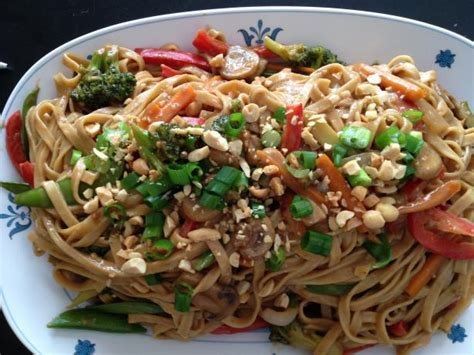 thai noodles with spicy peanut sauce recipe food com