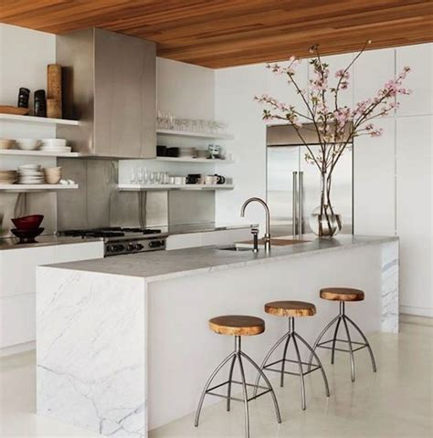 Marble Countertops Uk by Best 25 Waterfall Countertop Ideas On