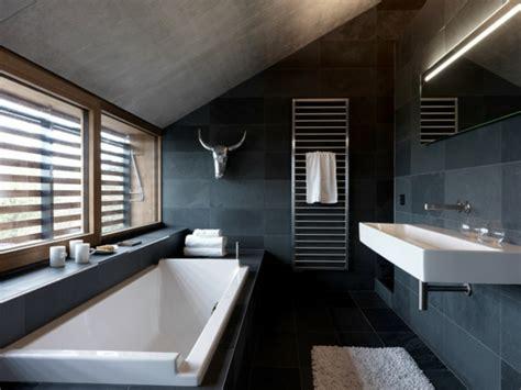 schwarzes bad gebadet in farbe wann verwendet schwarz im badezimmer