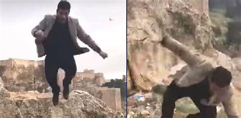 indian couple falls  death   selfie