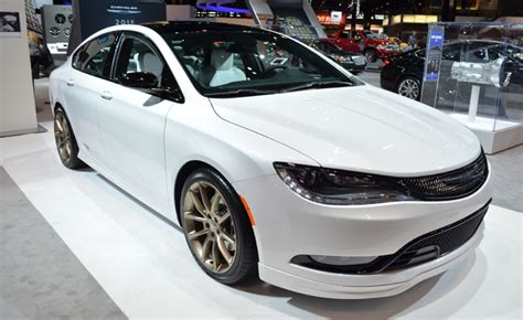 looking for crystler 200 with sun roof 2015 chrysler 200 moparized for chicago auto show