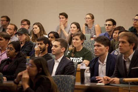 Tuck Mba by Tuck School Of Business Tuck S Curriculum Makes
