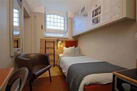 chambre prison 17 prisons aussi luxueuses que des h 244 tels tout confort