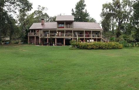 Caddo Lake Cabins by Caddo Lake Lodging