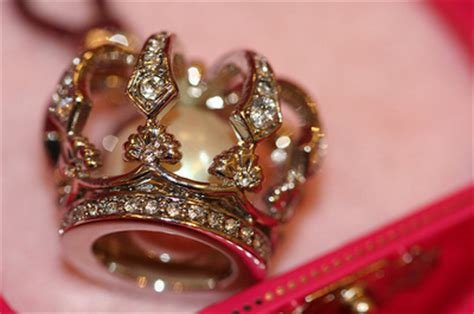 girly jewelry wallpaper crown cute girly gold jewelry pink image 41213 on
