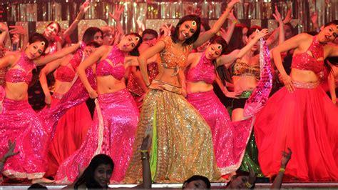 hindi dence shiamak s bollywood dance academy now in midlands asian