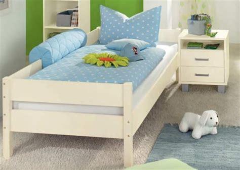 futonbett weiß 90x200 cm gardinen schlafzimmer