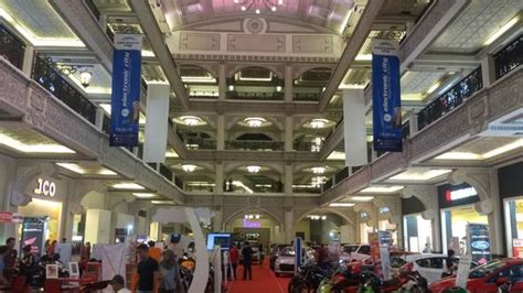 amazon jogja city mall main atrium in mall picture of jogja city mall