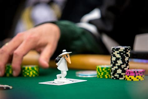 holdem tips slow playing dos  donts pokernews