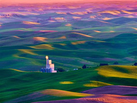 colorful hill the colorful rolling of tuscany pics