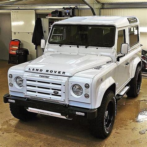 jeep defender interior 25 best all white jeep wrangler ideas on pinterest