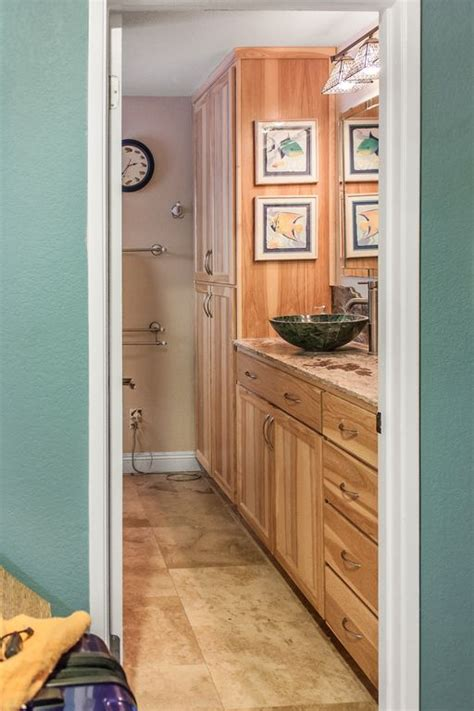 hickory bathroom cabinets best 25 natural hickory cabinets ideas on pinterest