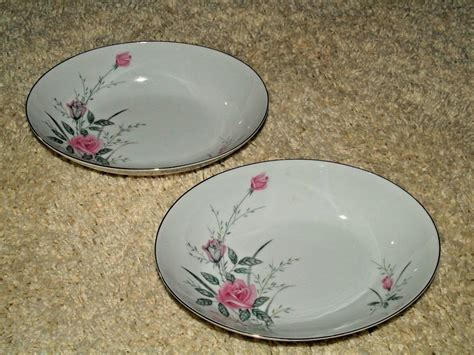 8 Gorgeous Pieces Of China by Golden China Japan Pieces Beautiful Dishes Wow