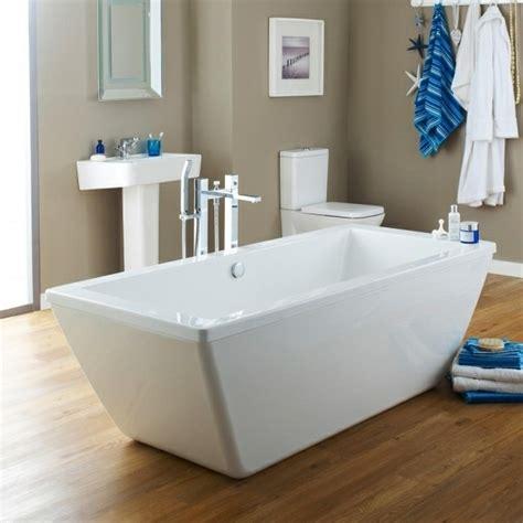 Kleine Badewannen ~ Raum  und Möbeldesign Inspiration