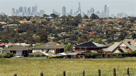 buy house in melbourne suburbs why renters prefer to live in suburbs socialpropertyselling com