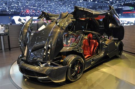 pagani huayra carbon fiber pagani huayra w carbon fiber finish geneva 2012 photo