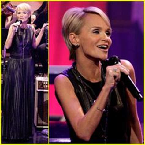 Hair Style Photos For Pixie Bob Breeders by Kristin Chnowithpixie Cut Hairstyles Kristin Chenoweth