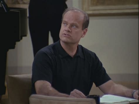 frasier kenny on the couch 8x19 the wizard and roz frasier image 23262586 fanpop