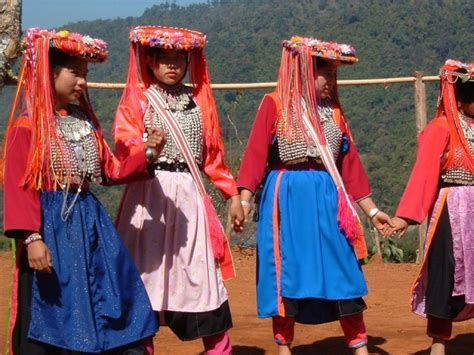 20 cultures countries that still wear their traditional