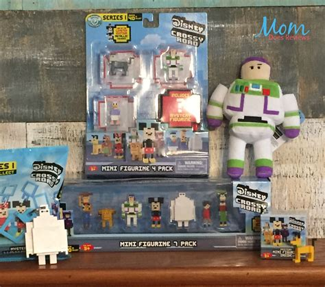 Disney Mini Figur Crossy Road attention disney crossy road fans get your 8 bit style collectibles now review