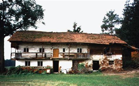 holzhaus für garten altes bauernhaus renovieren jamgo co