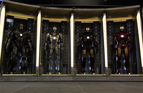 tony stark suits iron man 2 blasts into comic con more badass than ever