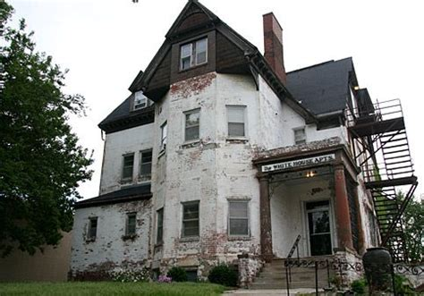 houses for rent omaha white house apartments omaha is a victorian mansion likely built around the turn of