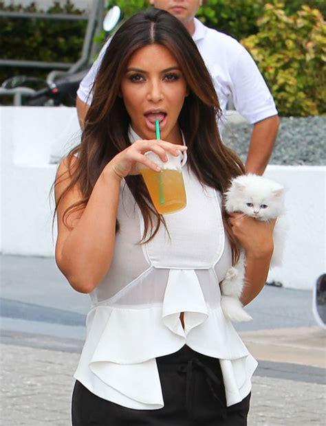 17 Stars Who Love Starbucks?Wolverine Gets Soy Milk?   JOLT24