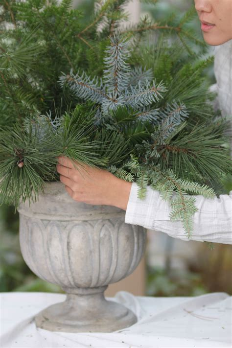 Diy Urn Planter by Diy Porch Urn Js Weddings And Events
