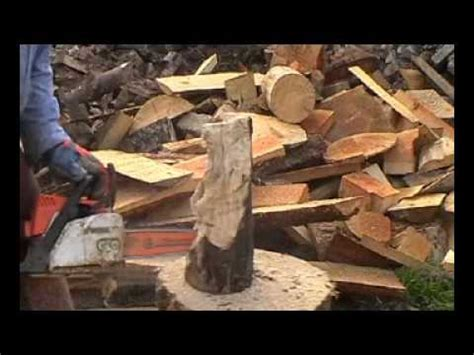 chainsaw carving  bear   minutes youtube